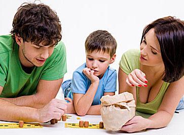 На какво да играем с децата